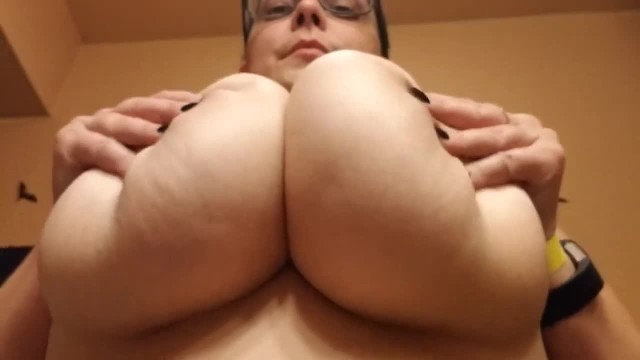 Glass big boobs - Big natural tits upward view boob bouncing, thick stacked underboob :3