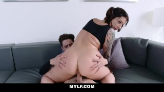 Mylf peeping tom pussy bomb mother ivy