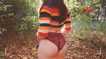 OUTDOOR - Hipster gf gets off in the woods.