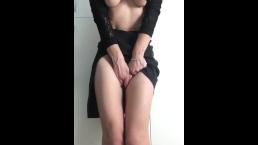 Horny and wet .So i cum again at work.Amateure solo female masturbation