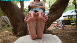 FOOT TEASE IN THE YARD