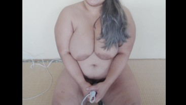 Sexy BBW Squirts and Cums On Her Vibrator