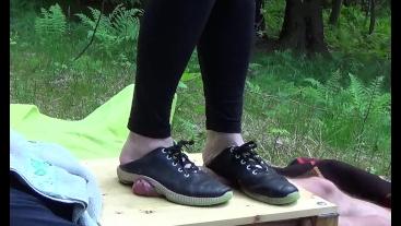 dirty sneakers hard cock crush