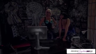 Jessica Jaymes & Julia Ann sucking a monster cock, big boobs & big booty