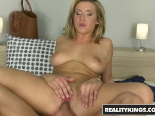 Reality Kings – Dirty french girl Nasta Zya fucks for rent