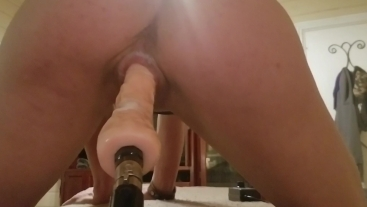 Close up pussy from behind - pussies that grab- sex machine