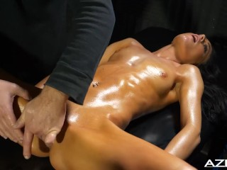 Cum dick huge sexy oil massage for kylie, aziani petite oil massage skinny babe