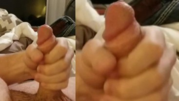 Solo Male Jerking and Watching Porn Cumshot