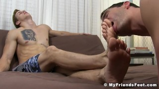 Inked stud got his toes sucked by his misguided friend