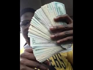 She say money make her cummm