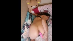 Teen moaning and cumming with her vibrator