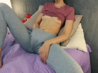 Teen with hairy pussy masturbation in leggins