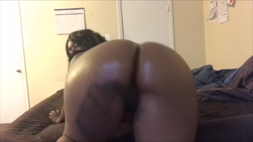 SEXFEENE OILS HER OVERSIZED BIG BOOTY FOR THE CAMERA
