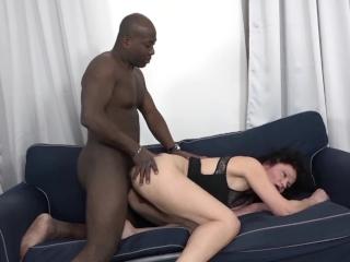 त्याचा मोठा काळा मुर्ख बनवते द प्रौढ गृहिणी आहे एकाधिक orgasms