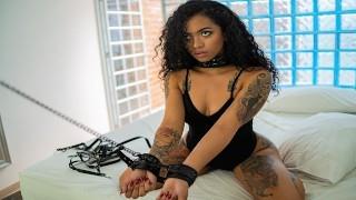 VRLATINA.COM - Sexy Tattooed Brunete