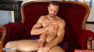 Handsome gym dude's dick massage! (my neighbour seduced for gay porn)