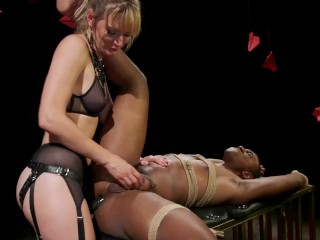 Mona Wales Kinks Buck Wrights Ass