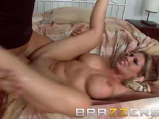 BRAZZERS - Golf Bunny Charisma Cappelli likes it rough