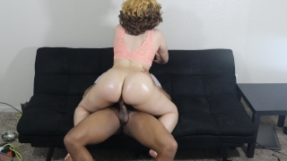 Big booty light skin slut bounces her bubble butt on BBC, must see jiggle!
