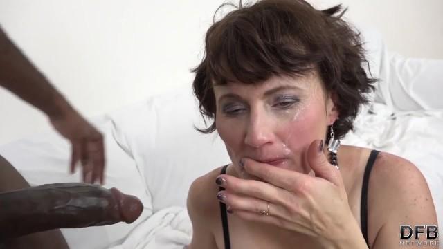 japonský interacial sex nějaká černá kočička