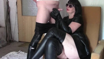 Cigar Mistress 2. part: Milking