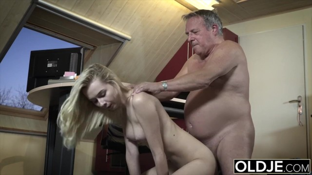 Teen Party Girl Gets Fucked