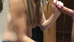 QUICKIE BLOWJOB BEFORE SHOWER FILMED WITH A SMART PHONE - CUM ON TITS