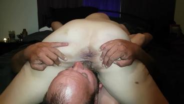 Deep pussy licking