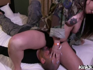 Tattooed Teen Scarlet De Sade sits on his face and gets her pussy licked