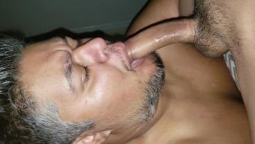 Deepthroat swallow 2 loads