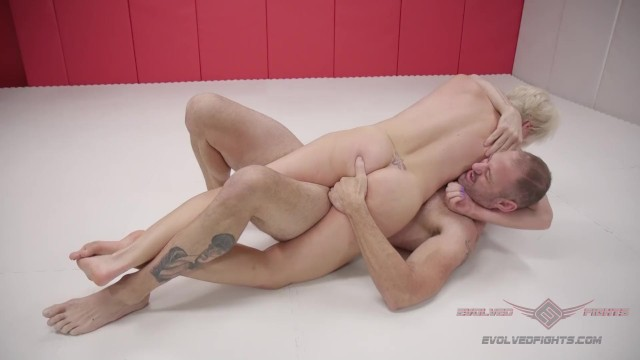 Blond MILF bounty Hunter fights dude and gets creampied