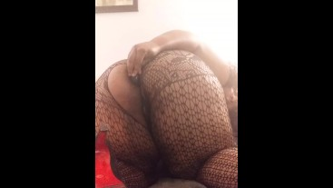 Ebony BBW explores anal with her new vibrating butt plug