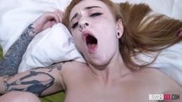English Alt Porn Girl Azura Seduces Me Into Sex & Orgasms After Interview