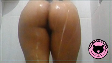 YOUNG girl in the bathroom! All WET!