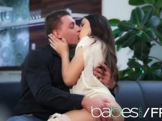 BABES Hot couple make a romantic sextape