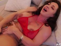 Fitness Mom MIlf orgasms with big black dildo