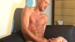 Real hetero salesman gets sucked his big cock by a guy in spite of him !