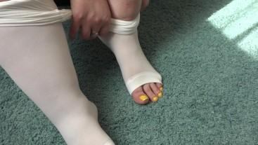 Thick legs try on white leggings.