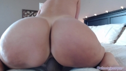 Hot Milf With Sexy Feet On Cam Jess Ryan