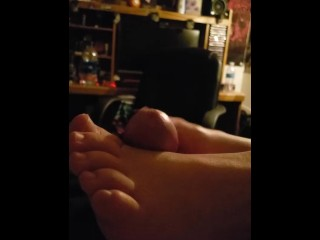 Young stepsister footjob before bed