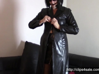 Sunday in leather coats: Show all my black leather coats (SAMPLE)