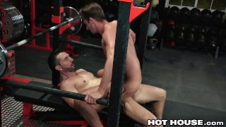 Skinny at daddy hothouse dicked muscle the likes gym getting handjob big