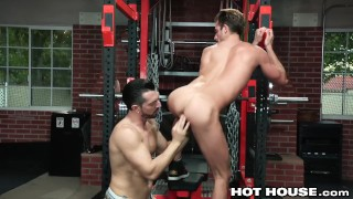 HotHouse Skinny Muscle Daddy Likes Getting Dicked At The Gym porno