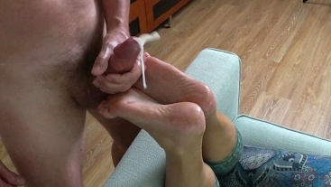 Foot massage, foot fucking and cumming on wife's soles - footjob