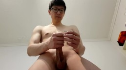 Giant Cashmaster Aiden Lee's Masturbation