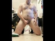Powerful cumshot messing all over the floor