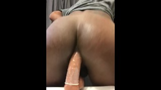 Chocolate Ass bouncing on Dildo (TS PublicPrincess) porno