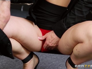 Tight Teen Assfucked Brazzers - Security guard Jayden Jaymes has nasty fuck in computer lab