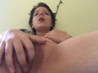 Fingering my Pussy and Clit to Orgasm