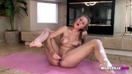 Babysitter Molly Pills Yoga Mat Masturbation Striptease Dildo Pussy Pleasur
